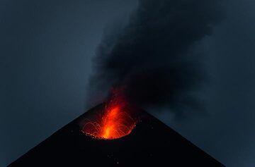 krakatau_k19798.jpg (Photo: Tom Pfeiffer)