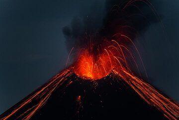krakatau_k19804.jpg (Photo: Tom Pfeiffer)