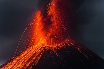 krakatau_k19812.jpg (Photo: Tom Pfeiffer)