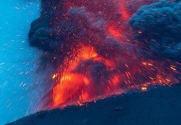krakatau_k19877.jpg (Photo: Tom Pfeiffer)