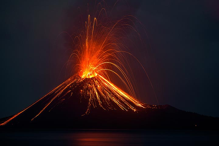 During our first evening on Krakatau (13 Oct 2018), vulcanian explosions occur at intervals varying between 30-60 minutes. (Photo: Tom Pfeiffer)