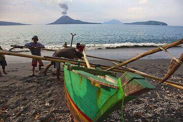 krakatau_g15502.jpg (Photo: Tom Pfeiffer)