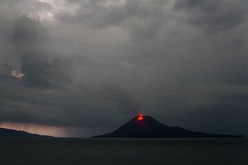 krakatau_i2012.jpg (Photo: Tom Pfeiffer)