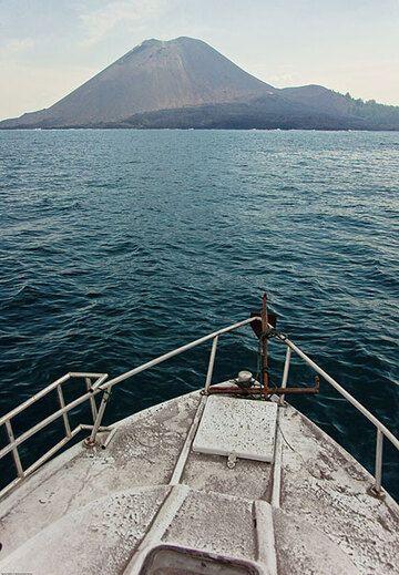 krakatau_i3415.jpg (Photo: Tom Pfeiffer)