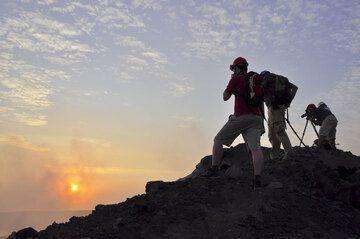 Sunset from the rim of Anak Krakatau's crater (Photo: Andi Rosadi)