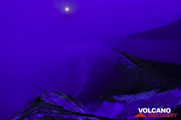 The full moon seen over Anak Krakatau in the Blue Hour. (Photo: Andi Rosadi)