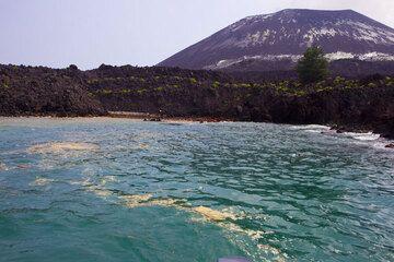 krakatau_i54151.jpg (Photo: Tom Pfeiffer)
