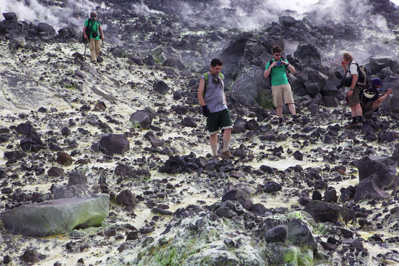 krakatau_i54292.jpg (Photo: Tom Pfeiffer)