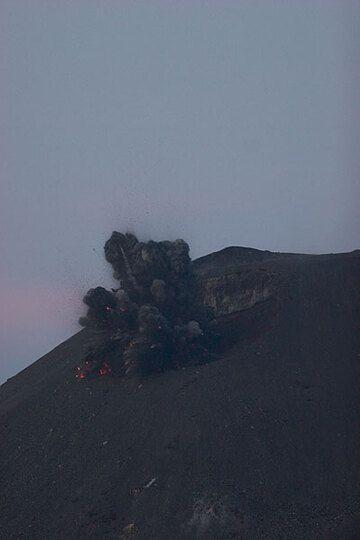 krakatau_d21430.jpg (Photo: Tom Pfeiffer)
