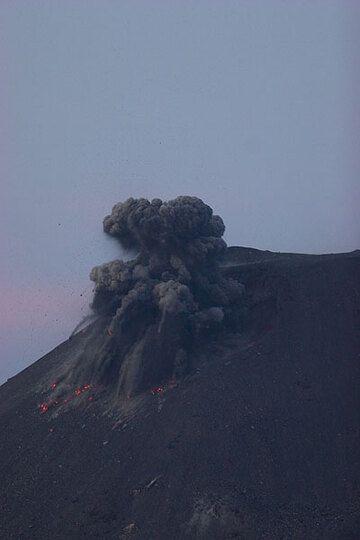 krakatau_d21431.jpg (Photo: Tom Pfeiffer)