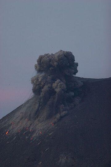 krakatau_d21432.jpg (Photo: Tom Pfeiffer)
