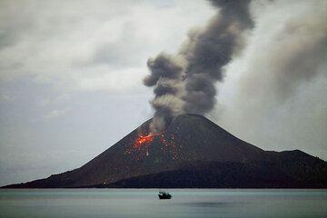 krakatau_e33072.jpg (Photo: Tom Pfeiffer)