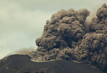 krakatau_i36998.jpg (Photo: Tom Pfeiffer)