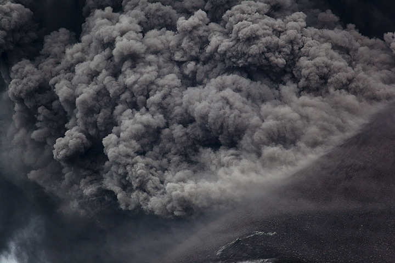 krakatau_i37177.jpg (Photo: Tom Pfeiffer)