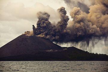 krakatau_i37511.jpg (Photo: Tom Pfeiffer)
