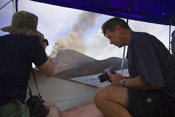 krakatau_e32352.jpg (Photo: Tom Pfeiffer)