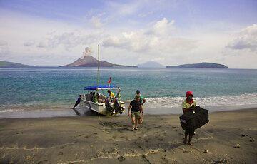 krakatau_e32368.jpg (Photo: Tom Pfeiffer)