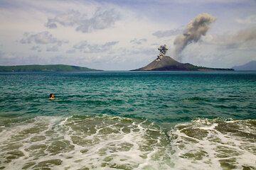 krakatau_e32405.jpg (Photo: Tom Pfeiffer)