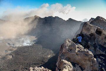 Rim of Raung volcano's large summit caldera (July 2015, East Java, Indonesia) (Photo: Tom Pfeiffer)