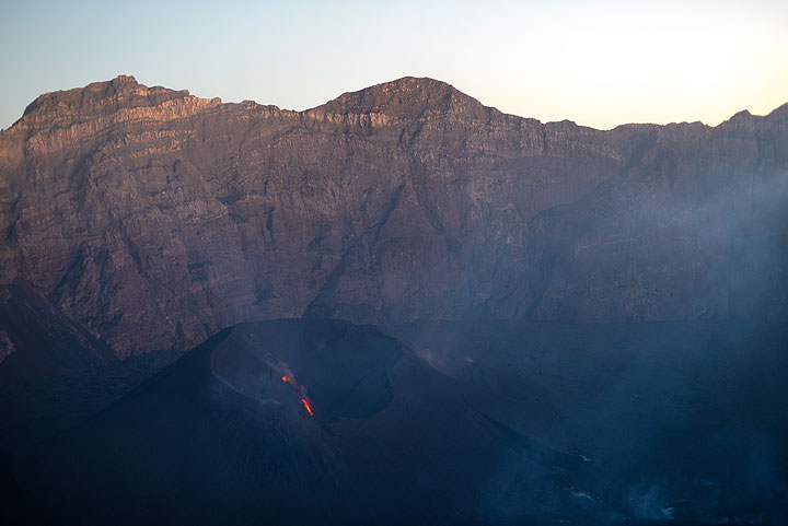 Two very weakly active effusive vents inside the main crater feed tiny lava flows - no other significant activity was observed. (Photo: Tom Pfeiffer)