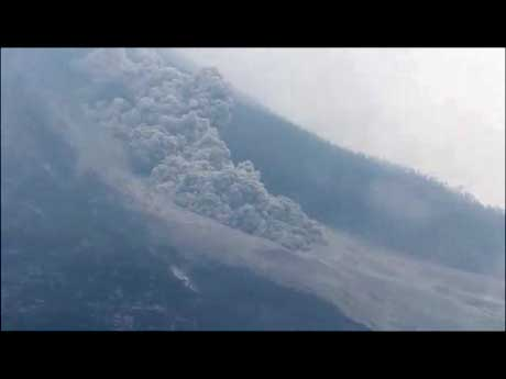 Sinabung volcano videos: 24-28 July 2015 pyroclastic flows (c)