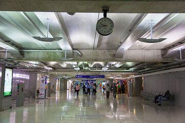 Bangkok airport (Photo: Tom Pfeiffer)