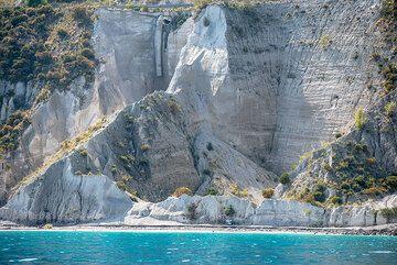 Monte Pilato's exposed pumice deposits at Porticello (Photo: Tom Pfeiffer)