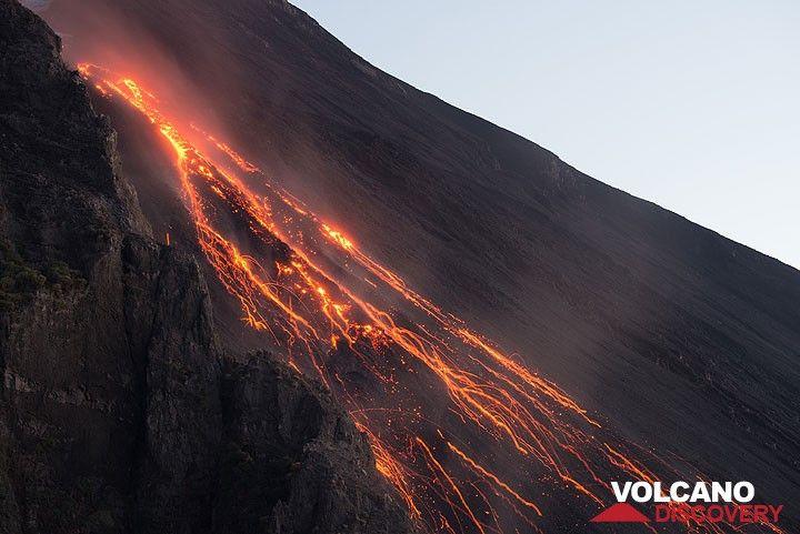 Flujo de lava desprendimientos frontal y brillante (Photo: Tom Pfeiffer)
