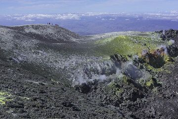 Part of the crater of Bocca Nuova (Photo: Tom Pfeiffer)