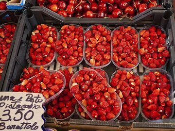 Forest strawberries from Catania. (Photo: Tobias Schorr)