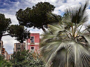 Houses near castello Ursino in Catania. (Photo: Tobias Schorr)