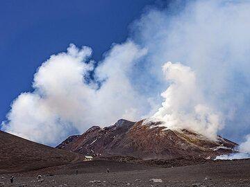 The summit area of Etna volcano. (Photo: Tobias Schorr)