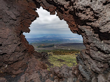 The lava window at Etna volcano. (Photo: Tobias Schorr)