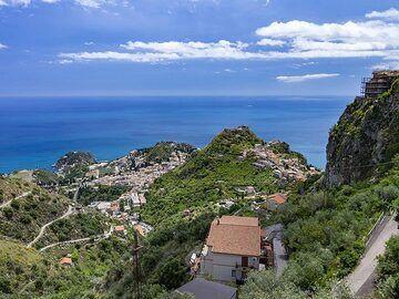 View on Taormina. (Photo: Tobias Schorr)
