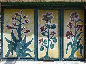 A painted window at Taormina. (Photo: Tobias Schorr)