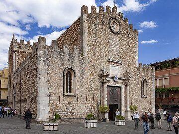 The church Duomo di San Nicolò di Bari in Taormina. (Photo: Tobias Schorr)