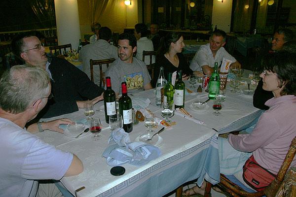 Dinner at Corsaro hotel (Etna) (Photo: Tom Pfeiffer)