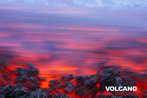 Лавовый поток на вулкан Этна, Италия. (Photo: Tom Pfeiffer)