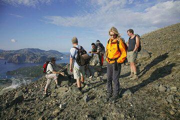 Our group on Vulcano Island (Photo: Tom Pfeiffer)