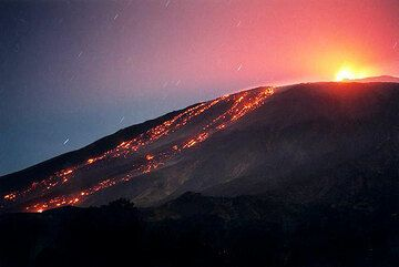 Lava flows descending on the western flank of Etna (c)