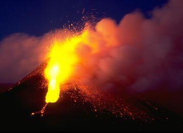 Etna volcano photos: paroxysms of SE crater in 2000 (c)