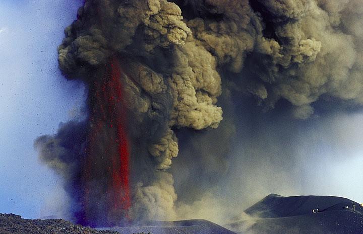 Etna eruption July 2001: additional photos (Photo: Tom Pfeiffer)