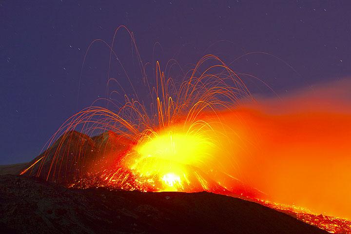 Explotando burbujas de magma (Photo: Tom Pfeiffer)
