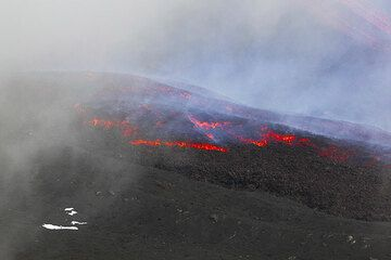 The advancing front of the lava flow. (Photo: Tom Pfeiffer)