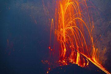 Strombolian eruption from the new cone inside Bocca Nuova's crater - Etna volcano (Aug 2012) (Photo: Tom Pfeiffer)