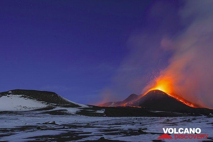 Strombolian explosion at dawn. (Photo: Tom Pfeiffer)