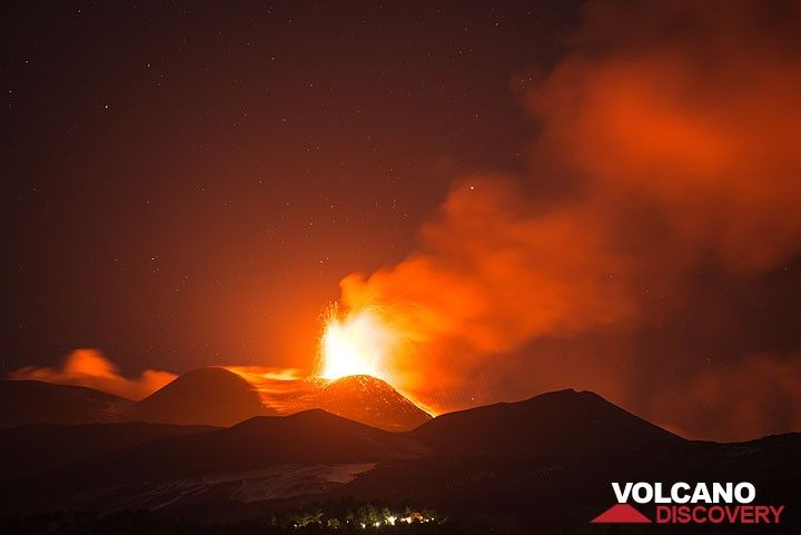The sky over Etna during the night 15-16 June is brightly illuminated by the explosions from the NSEC. (Photo: Tom Pfeiffer)