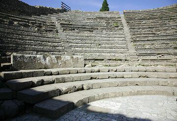 Roman theater in Pompei (Photo: Tom Pfeiffer)