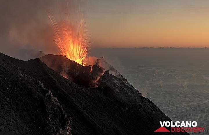 Strombolian eruption from Stromboli's main NE vent in the evening twilight (8 June 2017) (Photo: Tom Pfeiffer)