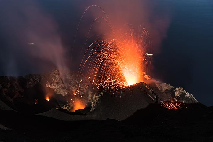A stronger strombolian explosion from the northeastern vent of Stromboli volcano (9 June 2017), the most active of a total of 6 vents in most of the recent times. (Photo: Tom Pfeiffer)